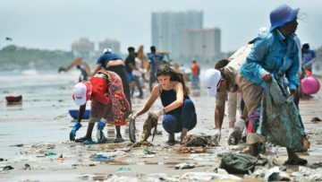 581580-beach-clean-up-aadesh-choudhari-060517